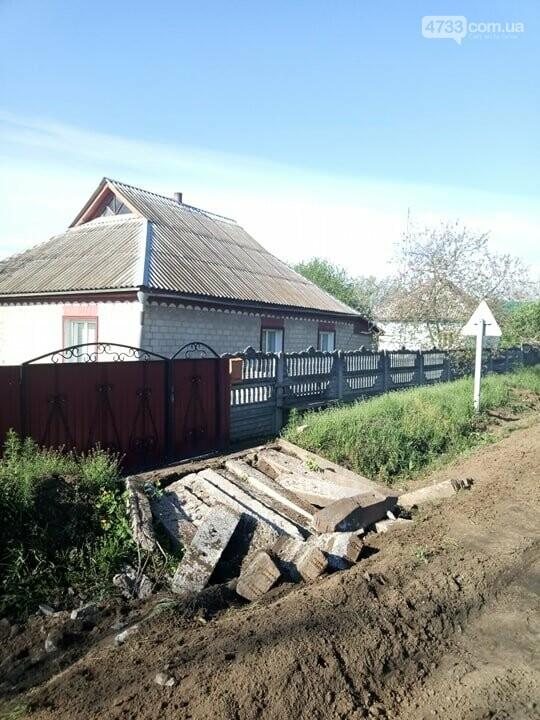 В Теклиному фура з траси на швидкості заїхала на приватне домоволодіння, фото-2