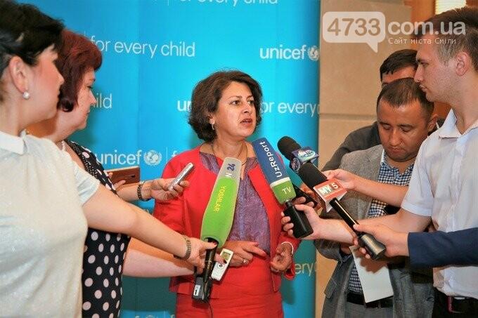 Дитячий фонд ООН ЮНІСЕФ закликає до глобального припинення вогню на сході України, фото-1