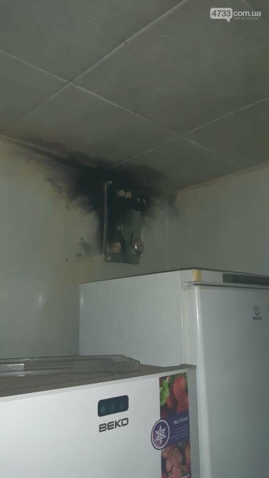 В одному з домоволодінь у Смілі від блискавки загорівся дровник та пошкоджено електропроводку, фото-2