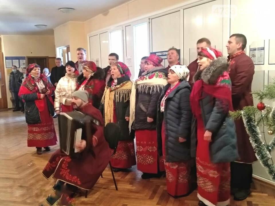 Працівників Смілянської РДА привітали зі святами, фото-1, РДА