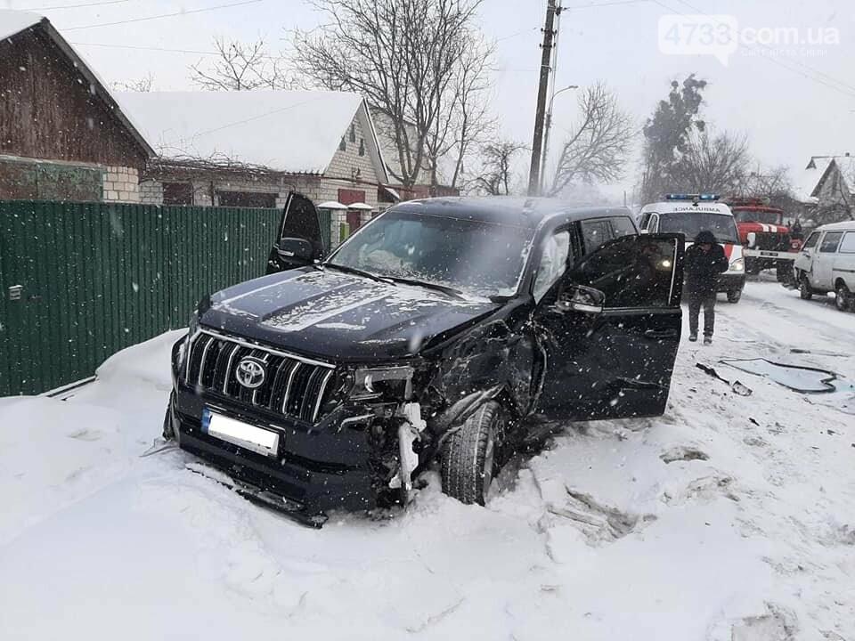 Затисло в автівці: у Смілі сталася аварія, фото-2