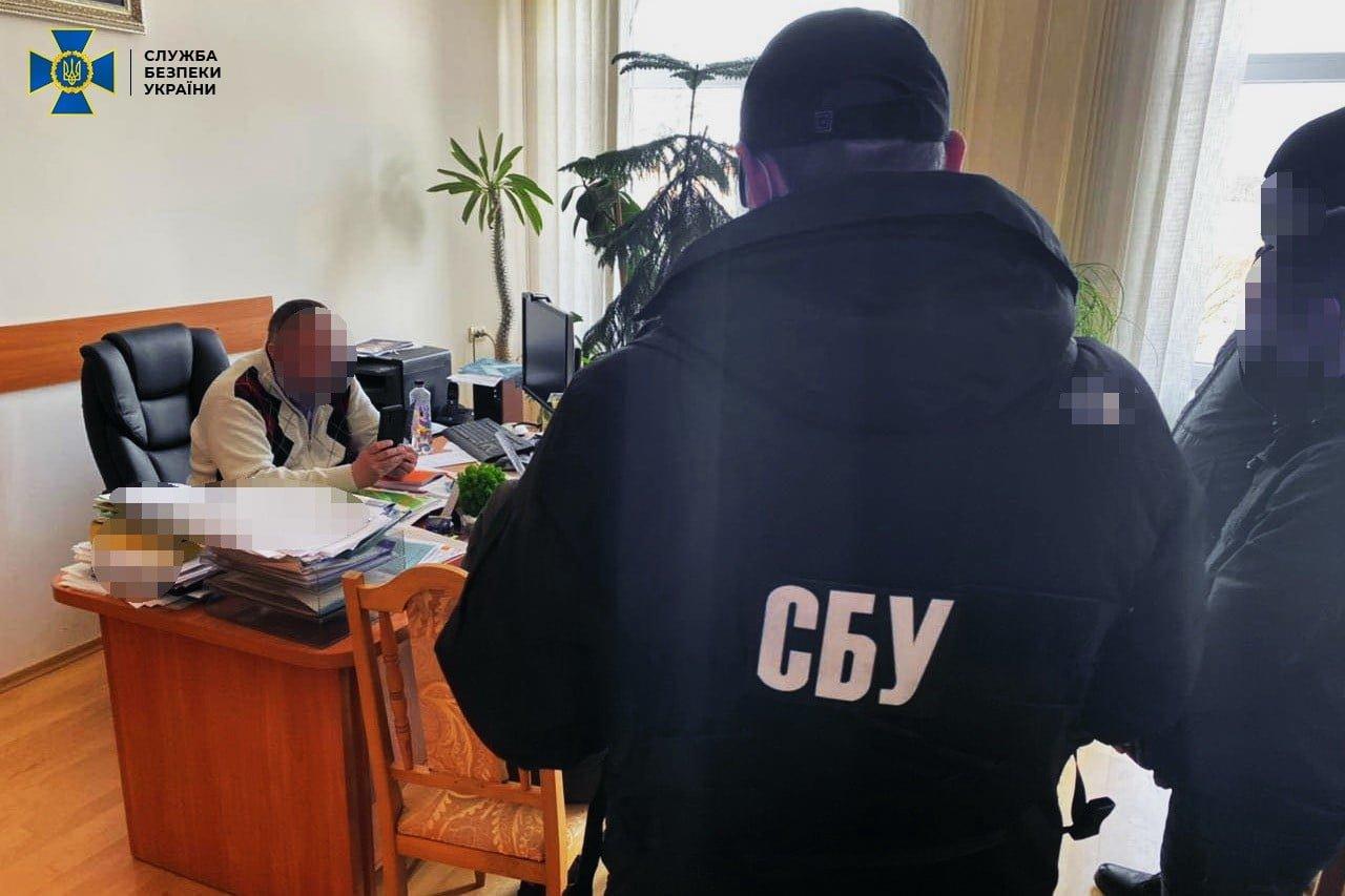 СБУ викрила керівника вишу на корупції (ФОТО), фото-1
