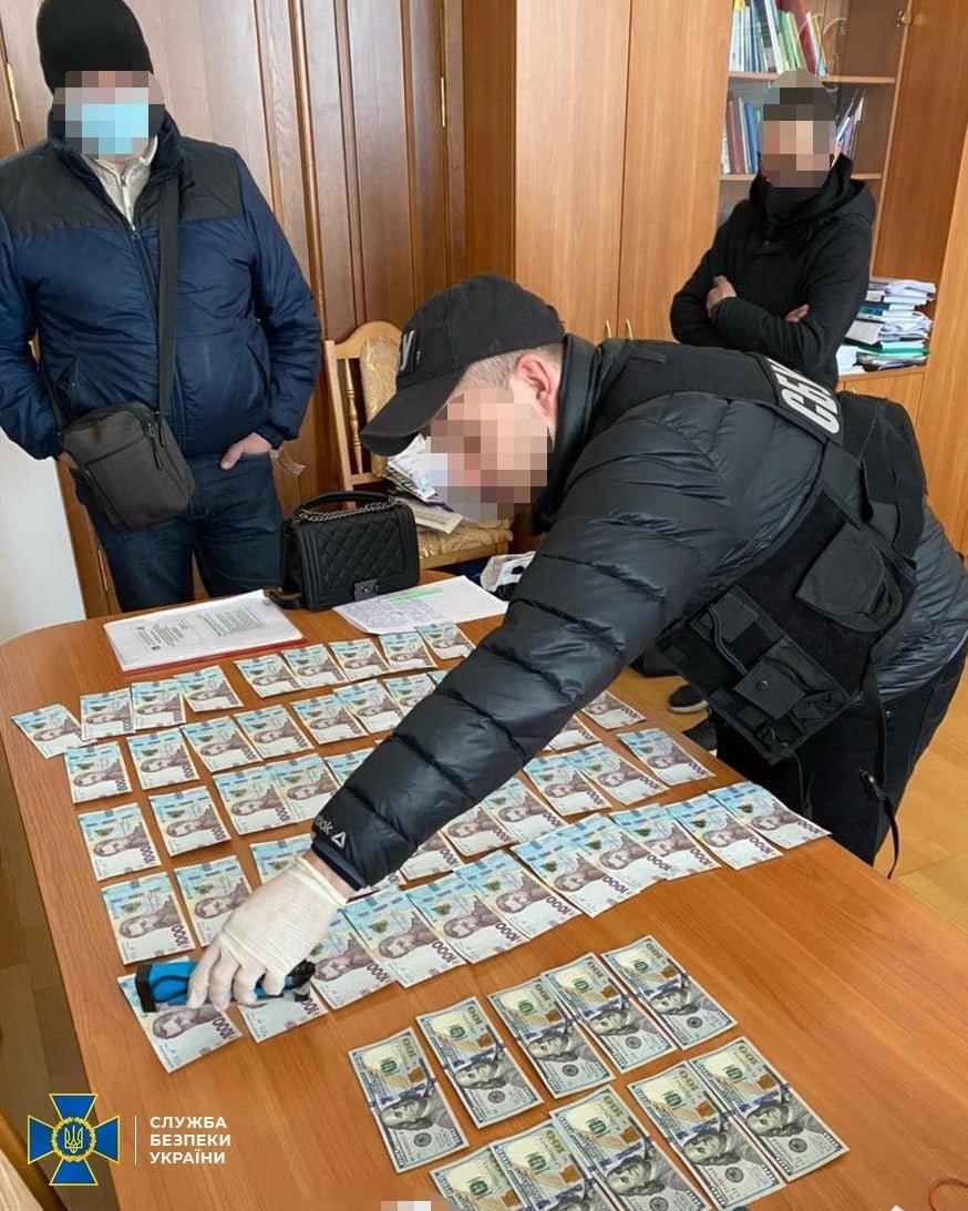 СБУ викрила керівника вишу на корупції (ФОТО), фото-2