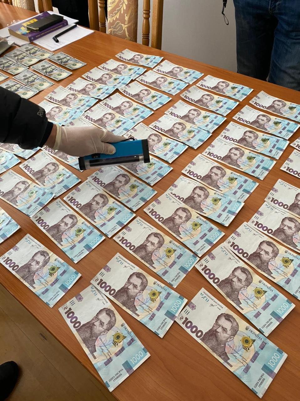 СБУ викрила керівника вишу на корупції (ФОТО), фото-3